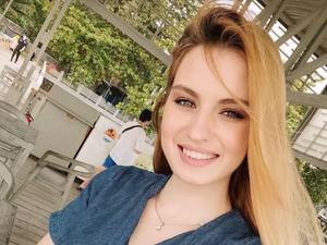 Kisah Cinta Eks Model Cantik Rusia Viral Hingga Dinikahi Aktor Indonesia