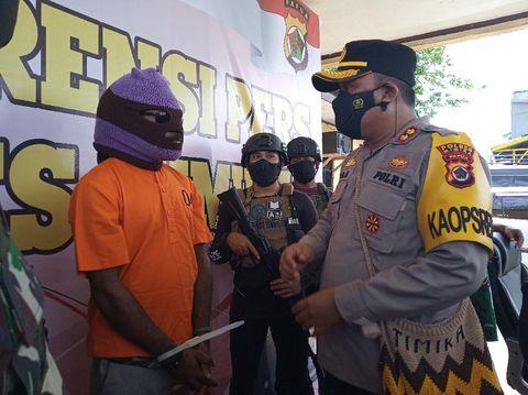 Polisi Tangkap 1 Anggota KKB di Mimika, Penembak Mobil Brimob Tahun 2020 (Foto: Saiman/detikcom)