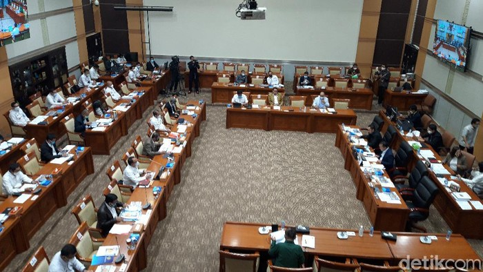 Rapat Komisi III DPR dan Menkum HAM Yasonna Laoly pada Rabu (17/3/2021)