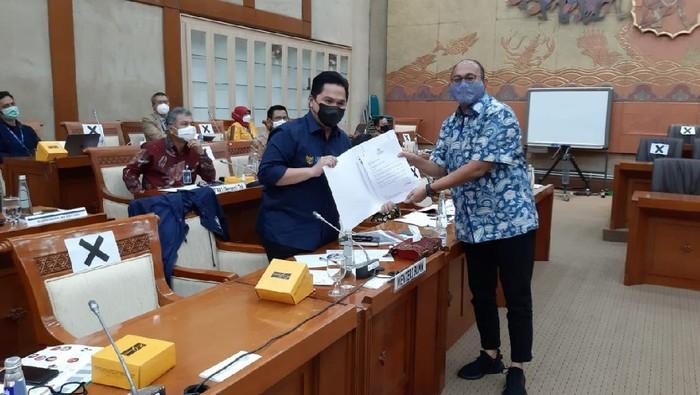 Anggota Komisi VI DPR RI Andre Rosiade meminta Menteri BUMN Erick Thohir membantu proses pencairan hak-hak pensiunan PT Semen Padang.