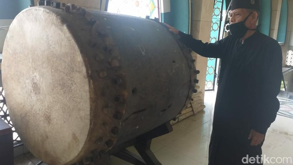 Cerita Beduk Anti Api yang Tersimpan di Masjid Agung Ciamis