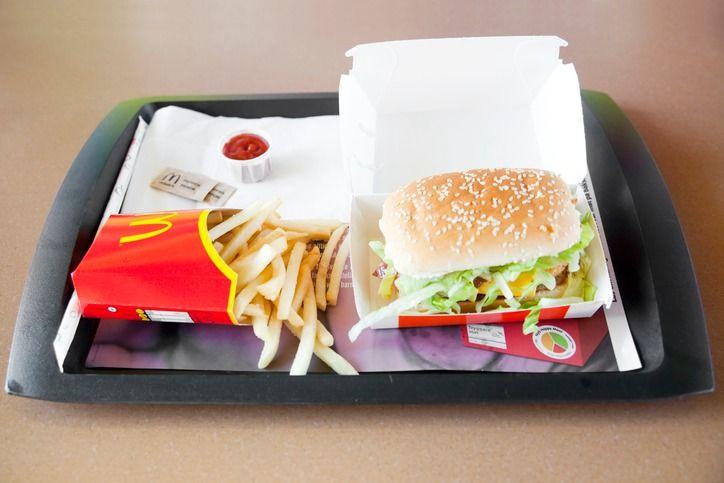 Ini Penampakan Burger Mcdonald's dan Kentang Goreng Setelah Disimpan 17 Tahun