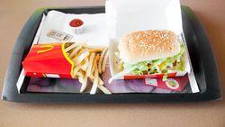 Ini Penampakan Burger Mcdonalds dan Kentang Goreng Setelah Disimpan 17 Tahun