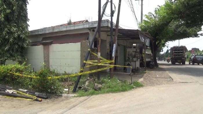 Empat pekerja di Purwakarta terluka usai tersengat listrik