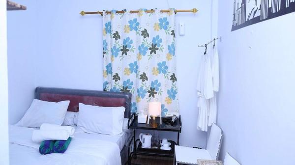 Untuk kamar standard room, Alona Hotel mematok tarif sekitar Rp 360 ribu untuk biaya menginap semalam. Diketahui, total ada 37 kamar standard room (dok Hotel Alona)