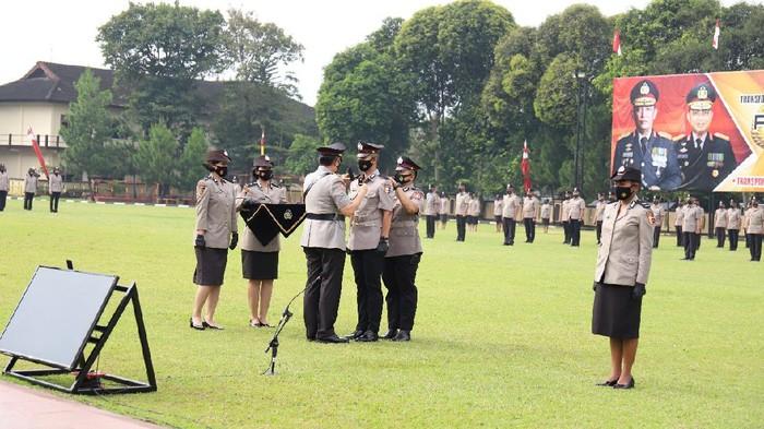 Kalemdiklat Polri Komjen Rycko Amelza Dahniel membuka pendidikan Sekolah Inspektur Polisi (SIP) Tahun Ajaran (TA) 2021 di Sukabumi
