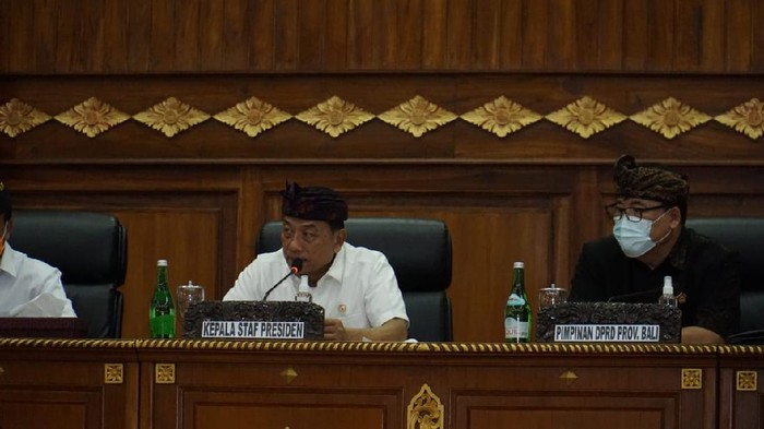 Moeldoko saat memimpin rapat koordinasi penyelesaian percepatan penyelesaian konflik lokasi prioritas agraria di Provinsi Bali, di Wiswa Sabha Kantor Gubernur Provinsi Bali
