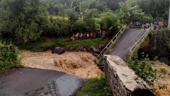 Pemkab Pasuruan Tunggu Dana Pusat Bangun Jembatan Penghubung Dua Kecamatan yang Ambruk