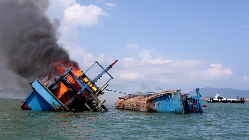 Curi Cumi-Rusak Dasar Laut Natuna, 6 Kapal Vietnam Ditangkap!