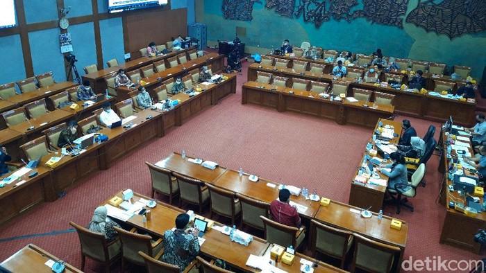Rapat Komisi X DPR dengan Mendikbud Nadiem Makarim (Rahel Narda Chaterine/detikcom).