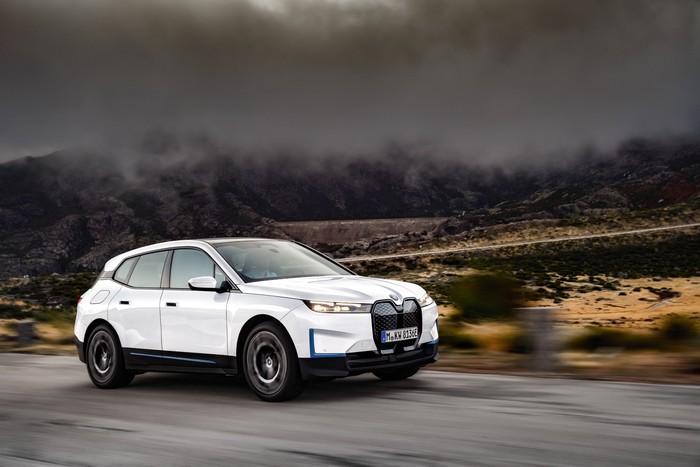 SUV listrik BMW iX