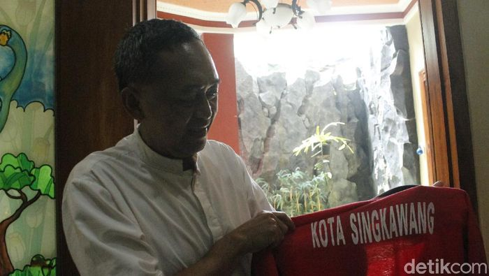 Dadang Subur mengungkap asal muasal nama Dewa Kipas.
