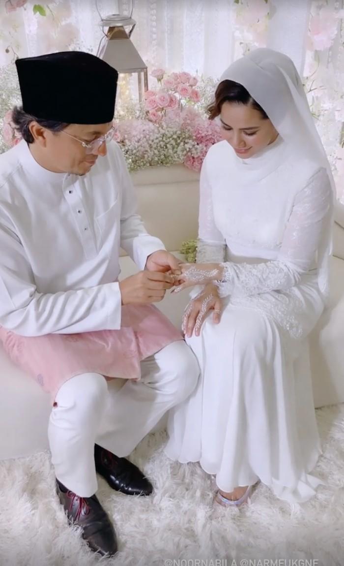 Pernikahan Engku Emran dan Noor Nabila.