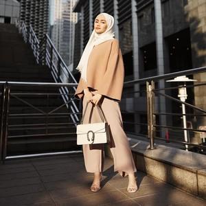 8 Inspirasi Baju Kondangan Simpel Pakai Celana, Cocok untuk Hijabers