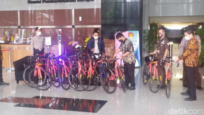 KPK sita 13 sepeda Lapierre terkait kasus suap ekspor benur Edhy Prabowo