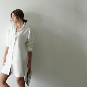 Ini Alasan Kemeja Putih Jadi Fashion Item Wajib bagi Setiap Wanita