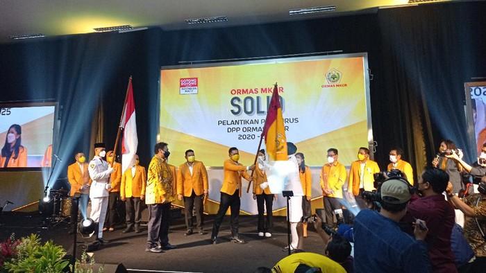 Ketum Golkar Airlangga Hartarto lantik pengurus MKGR 2020-2025, di DPP Golkar, Jakarta, Jumat (19/3/2021).