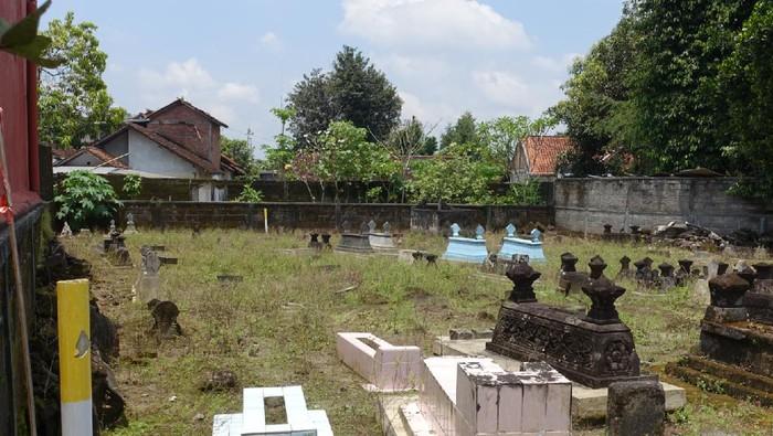 Pemakaman Umum terkena proyek tol yogya-solo