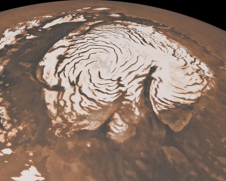 Permukaan es di bagian Utara Mars