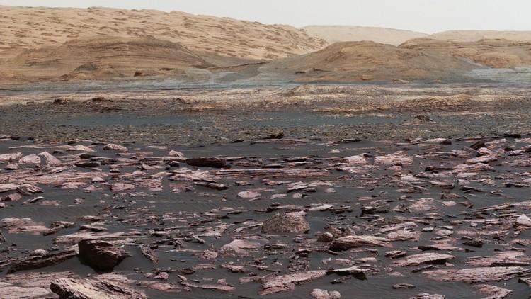 Lima tahun sejak mendarat, penjelajah Curiosity Mars milik NASA mendaki menuju beberapa lapisan Gunung Sharp pada Agustus 2017.