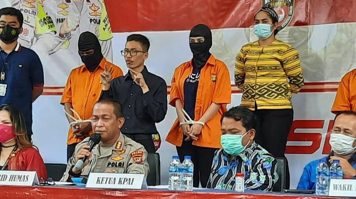 Polda Metro Jaya gelar jumpa pers terkait kasus prostitusi libatkan Cynthiara Alona