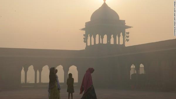 Partikel ini memiliki diameter kurang dari 2,5 mikron. Paparan PM2.5 dalam waktu lama dapat menyebabkan penyakit yang mematikan termasuk kanker dan masalah jantung. Foto: CNN
