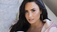Demi Lovato Ngaku Batal Nikah Karena Orientasi Seksualnya Berubah