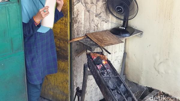Secara umum, rasa makanan di Sate Gebug Malang memiliki kekhasan berupa sate yang berukuran gede dan manis.