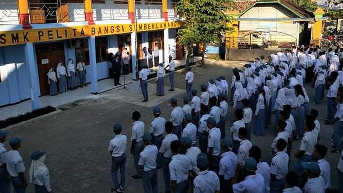 SMK Pelita Bangsa, Sumberlawang, Sragen, Jawa Tengah. Foto diambil sebelum pandemi virus Corona.