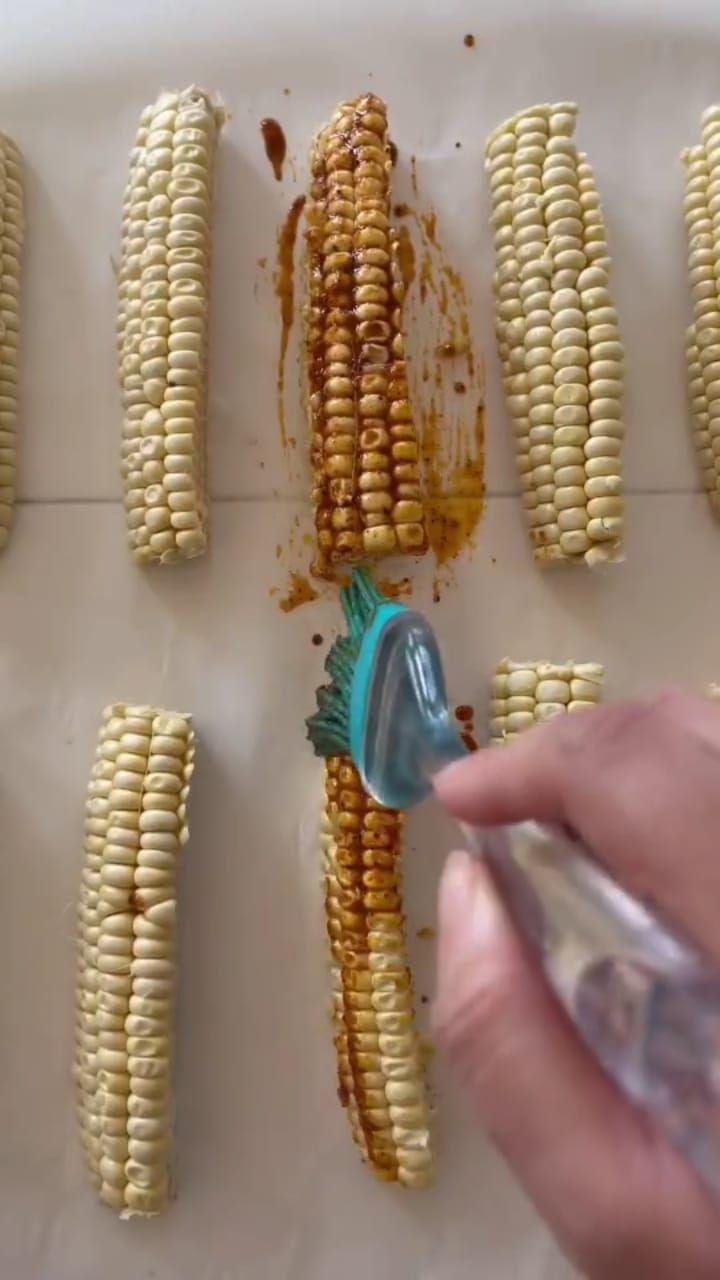 corn ribs, cara unik makan jagung bakar
