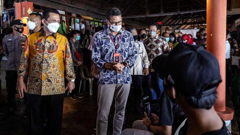 Beriringan dengan vaksinasi covid-19 massal, penyelesaian kebijakan terkait pelaksanaan travel corridor tengah dikebut pemerintah saat ini.
