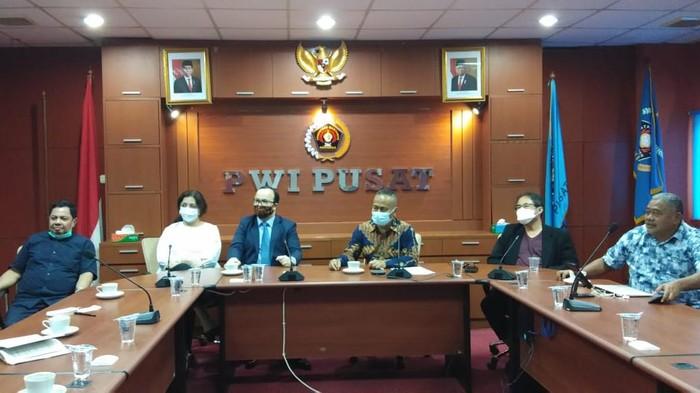 Duta Besar Azerbaijan untuk Republik Indonesia alal Mirzayev datang menemui Ketua Umum Persatuan Wartawan Indonesia (PWI) Pusat Atal S. Depari