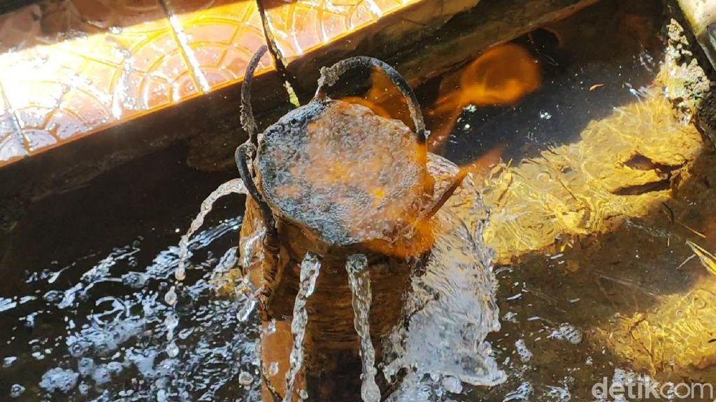 Penampakan Sumber Air yang Bisa Terbakar di Karanganyar