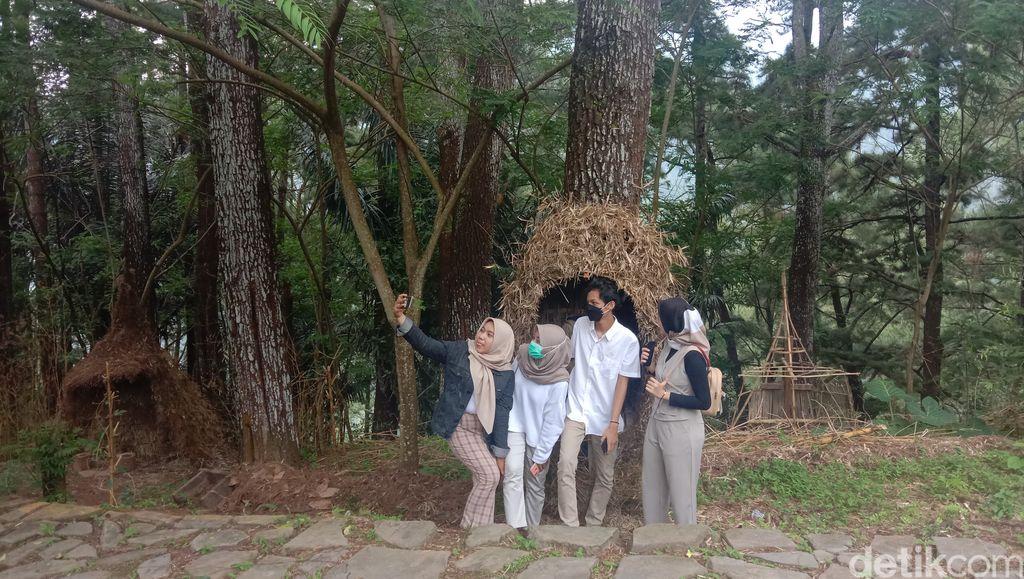 Wana wisata Pijar Park yang terletak di lereng Muria, Desa Kajar Kecamatan Dawe, Kudus, Sabtu (20/2/2021)