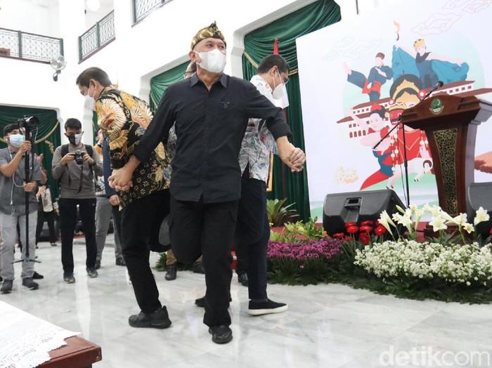 Menkop UKM Teten Masduki membuka kegiatan JAFEST 2021 di Bandung