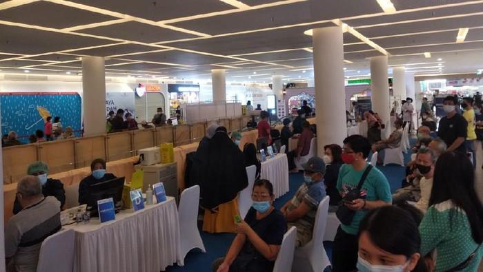 Vaksinasi Corona untuk Lansia di Ciputra Mall Tangerang