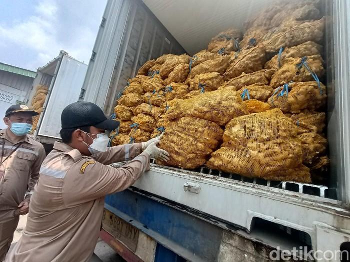 108 ton jahe impor busuk dimusnahkan di Karawang
