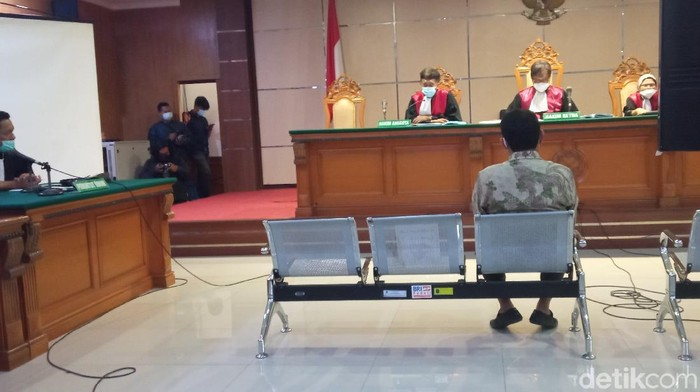 Eks Bupati Bogor Rachmat Yasin jalani sidang vonis