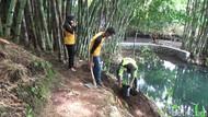Warga Lereng Semeru Peringati Hari Air Sedunia dengan Tanam Pohon