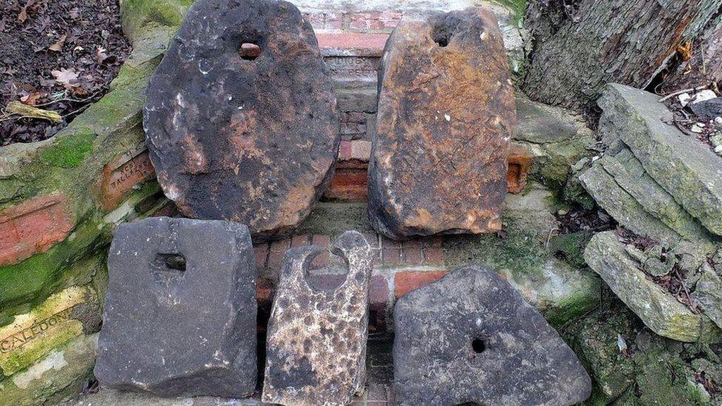 Jangkar Batu 2.000 Tahun Ditemukan di Inggris, Diduga Sisa Pelabuhan Romawi