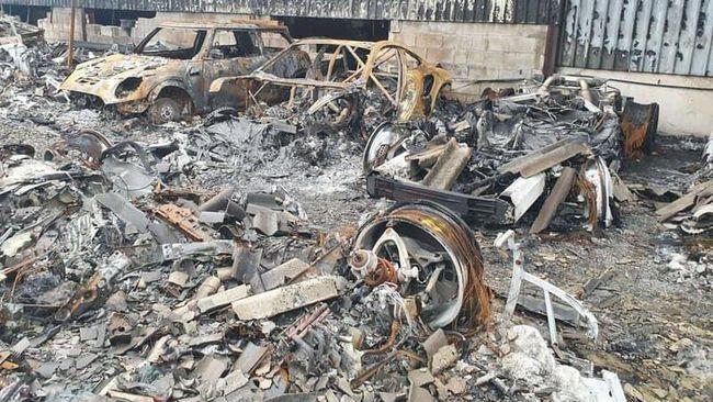 Ngeri! Gudang Supercar Terbakar, 80 Mobil Hangus Tinggal Rangka