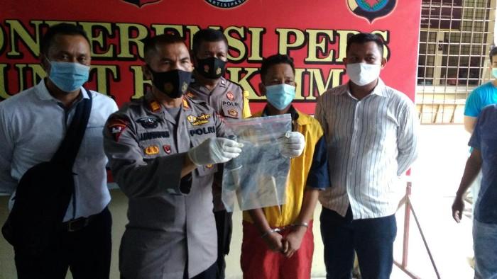 Konferensi pers penangkapan pelaku pembunuhan di Percut Sei Tuan (Datuk-detikcom)
