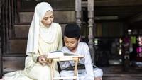 Mengajarkan Isi Kandungan Surat Al Fatihah pada Anak