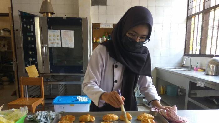 Siswa SMK di Cimahi mulai praktikum tatap muka