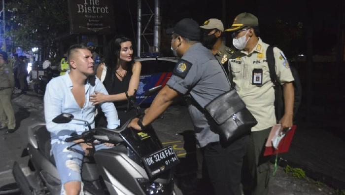 WNI di Bali terjaring razia prokes