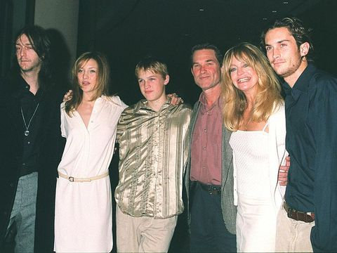 383110 17: Goldie Hawn and family attend the 60th Annual Golden Apple Awards December 10, 2000 in Beverly Hills, CA. From left to right: Chris Robinson (Kate''s boyfriend), Kate Hudson, Wyatt, Kurt Russell, Goldie Hawn and Oliver Hudson. (Photo by Newsmakers)