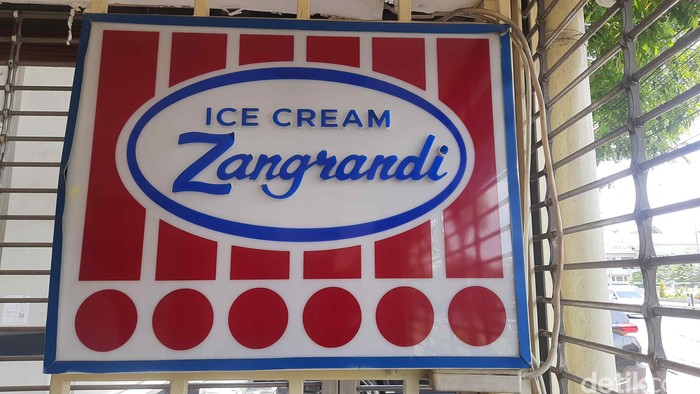 Zangrandi Ice Cream Resmi Tutup, Hanya Layani Take Away di Hari Terakhir