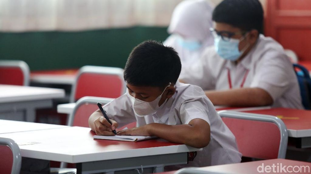 Belajar Tatap Muka Bakal Digelar Juli, Kepala Sekolah Wajib Siapkan 4 Hal Ini