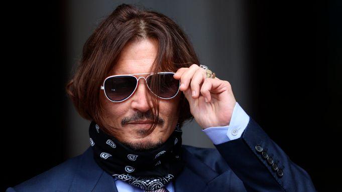 Bobol Rumah Johnny Depp, Orang Ini Malah Asyik Bikin Minuman