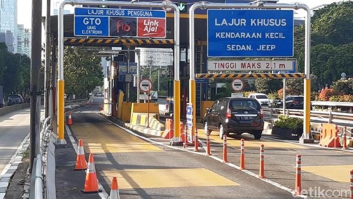 Salah satu lokasi uji coba RFID di Gerbang Tol Semanggi 1.